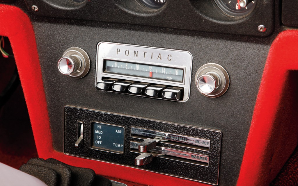 1965-pontiac-banshee-radio-hd-widescreen-classic-car-wallpaper